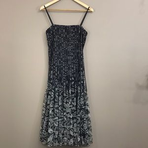 JS COLLECTIONS Formal/Occasion Dress Size 4